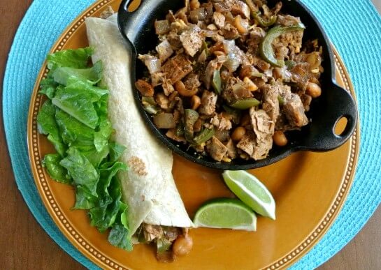 Chicken Fajitas with Spices and Peanuts