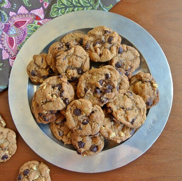 Vegan Chocolate Chip Cookies Overhead 600