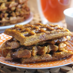 Easy Pumpkin Waffles have all the seasonings of a pumpkin pie. Dive In!