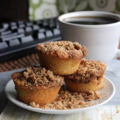 Cinnamon Streusel Mini Muffins