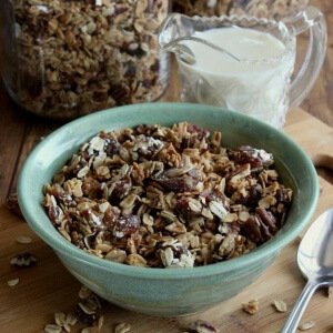 Date Bar Granola has all the comfort and of any breakfast treat. A delicious cereal that is only a fraction of the cost of store bought.