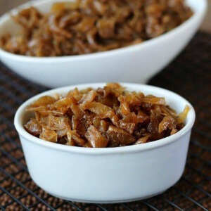Slow Cooker Caramelized Onions can be made ahead of time and are easy. Rich, sweet and flavorful.