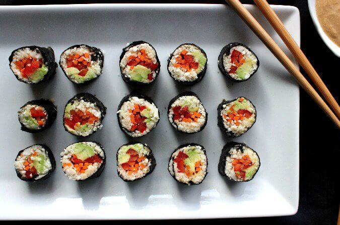 Sushi Maki Rolls are easy, light, raw and there are made with cauliflower.