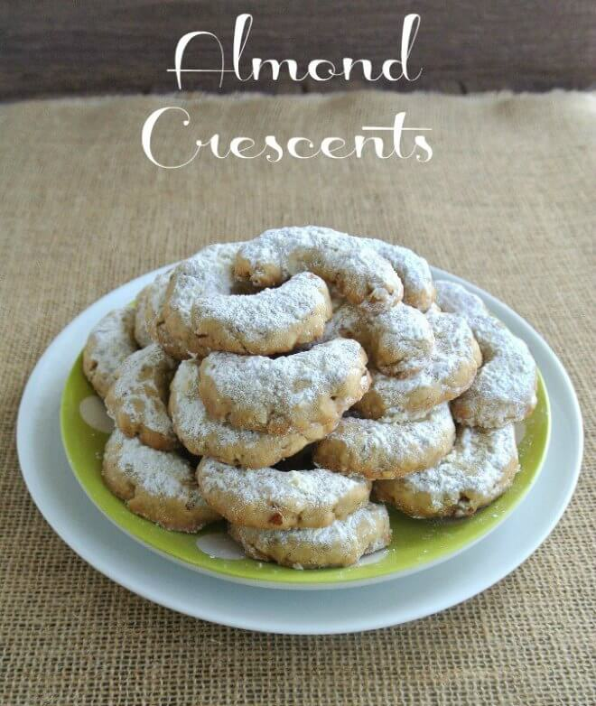 Almond Crescents with ground almonds and old fashioned rolled oats make them very special.