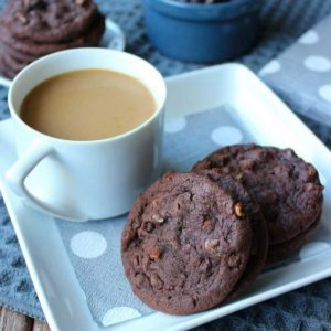 Irish Cream Chocolate Cookies sound and taste like gourmet cookies. Simple cookies that have a deep chocolate flavor and a unique sweetness.