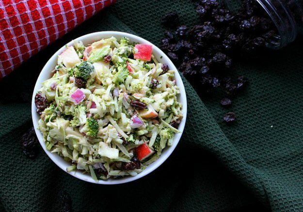 Vegan Apple Broccoli Salad has everyone's favorite vegetables and fruits.