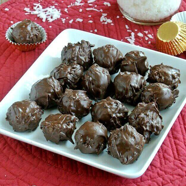 Chocolate Mounds Candy Balls recipe is based on the Mounds Bar. Not exactly a copy-cat but surely inspired.