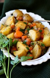 Instant Pot Potato Carrot Medley has flavor to spare and all in under 30 minutes. So simple you can get your favorite vegetables anytime you want.