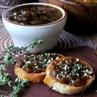 Balsamic Caramelized Onion Crostini