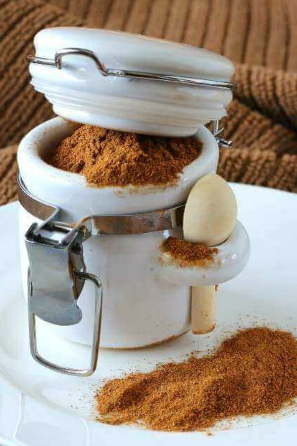 Homemade Pumpkin Pie Spice can be made in minutes with ingredients you probably already have. Add it to Pumpkin Spice Latte's, Spiced Popcorn,Sweet Spiced Nuts and so much more!  #pumpkinpieseasoning #veganfood #veganrecipes #vegan #pumpkinseasoning @pumpkinspice #vegetarian #spices #pumpkin #veganinthefreezer