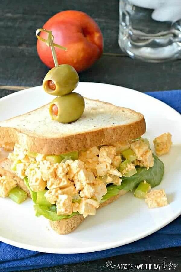 Sriracha Tofu Egg Salad (Vegan)